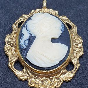 Vintage Gold Tone Cameo Pendant Large Fashion